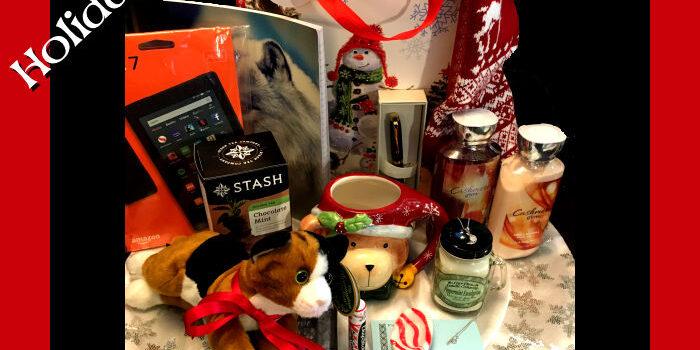 Blogmas: Winter Holiday Contest!