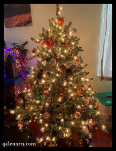Our smaller tree (4') decorated for Samhain
